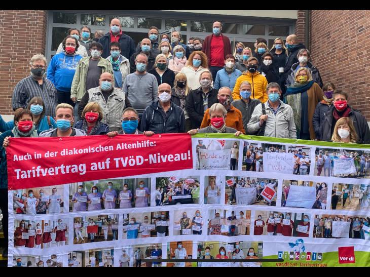 Die Teilnehmer*innen des Arbeitsrechtstag der MAVen der Diakonie Hessen in Marburg-Wehrda. Foto: Georg Schulze-Ziehaus